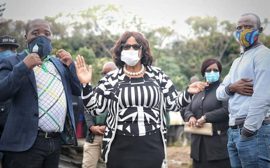 MEC Khoza Privides Relief To Fire Victims In EThekwini
